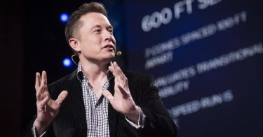 Гендиректор Tesla Маск прокоментував дебют електричного Ford F-150 Lightning