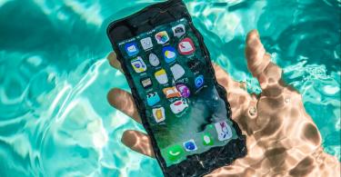 Apple дозволить керувати смартфоном мокрими руками