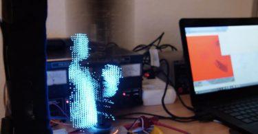 Ентузіаст зробив голографічний дисплей в домашніх умовах