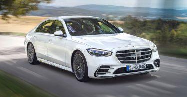 Mercedes-Benz з гумором прорекламував опцію S-класу, яка поки недоступна