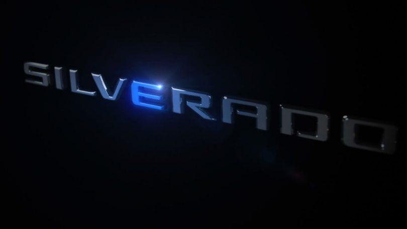 Тизер Chevrolet Silverado