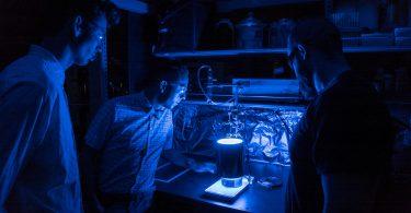 Новий матеріал утилізує СО2 і виробляє енергію