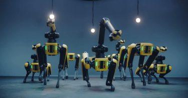 Робособаки Boston Dynamics станцювали під суперхіт [ВІДЕО]