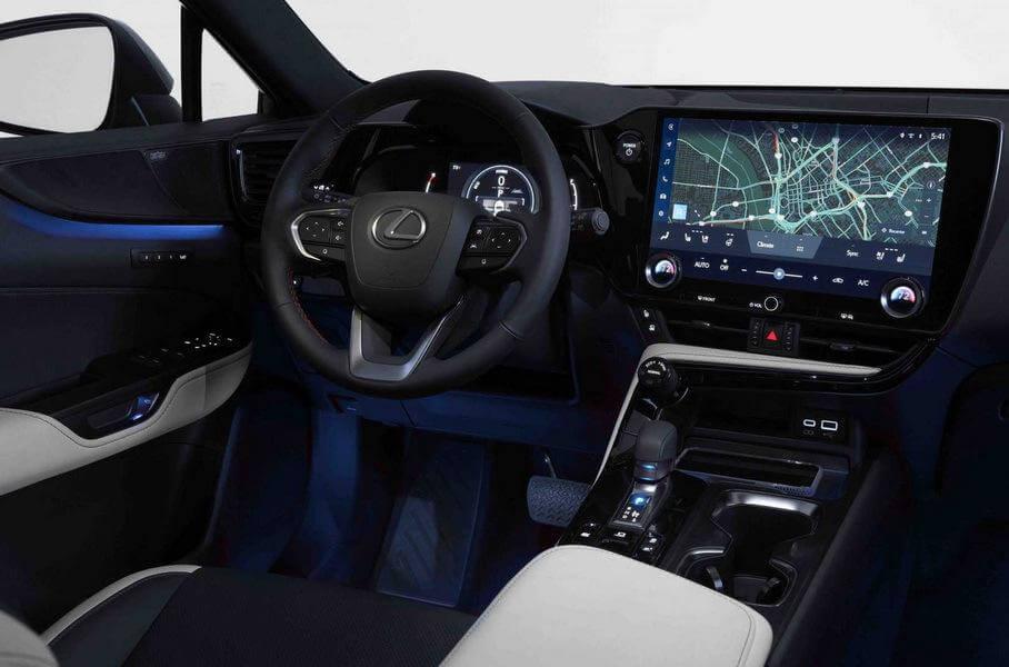 Інтер'єр нового Lexus NX