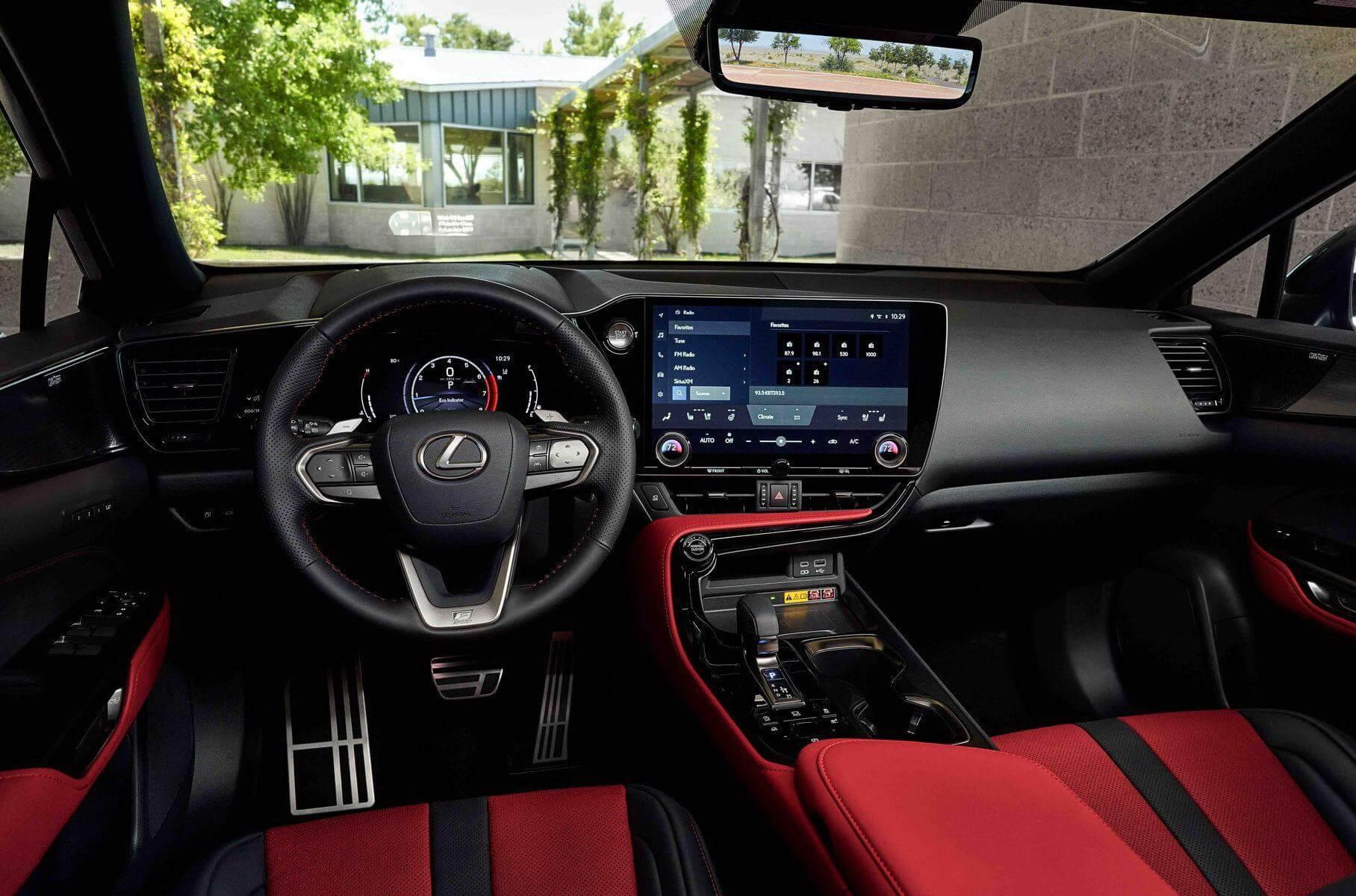 новий Lexus NX з пакетом F Sport