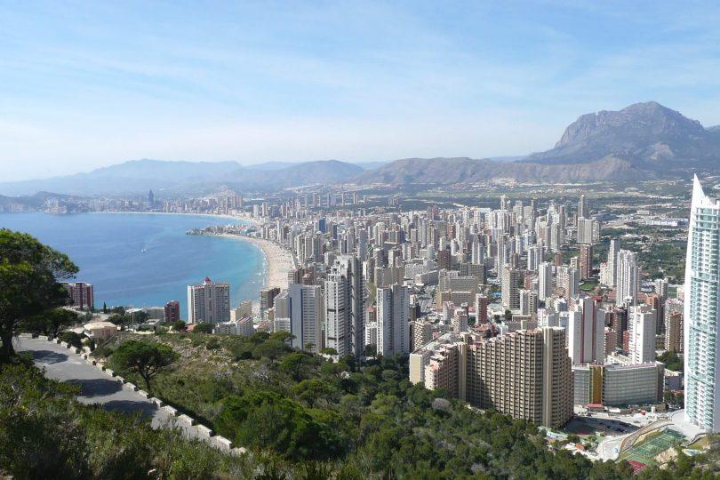 Нерухомість в Іспанії