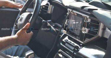 З'явилися шпигунські фотографії салону нової Toyota Tundra
