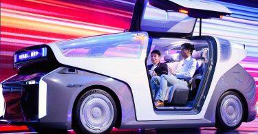 «Китайський Google» показав свій перший автомобіль. У нього немає керма