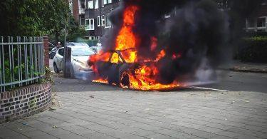Volkswagen ID.3 горить