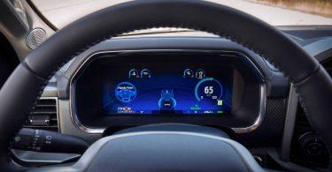 Ford вимагає анулювати права на назву Cruise, які належать GM