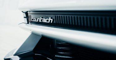 Відроджений Lamborghini Countach отримає деталі в стилі ретро