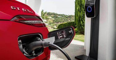 Mercedes-AMG анонсував прем'єру першого електрокара