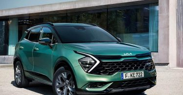 Три гібрида і коротка колісна база: Kia показала новий Sportage для Європи