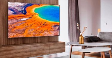 Hisense показала перший в світі лазерний телевізор з висувним екраном