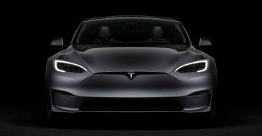 Tesla може випустити бюджетну модель без керма і педалей