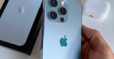 iPhone 13 Pro Max зігнули і підпалили для перевірки на міцність [ВІДЕО]